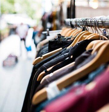 Zakupy w second handach mają wady i zalety