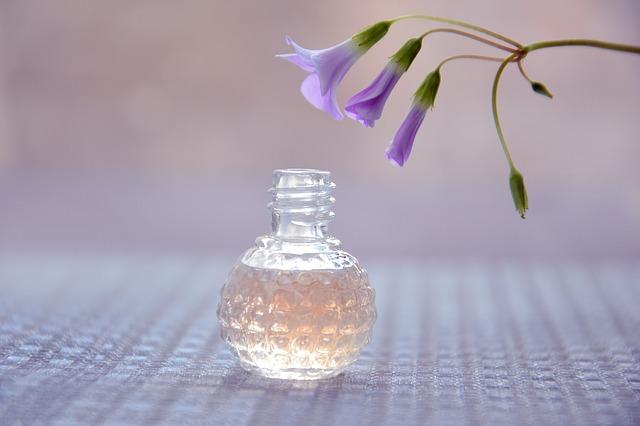 Jaki renomowany producent perfum sprzedaje je od lat w Polsce